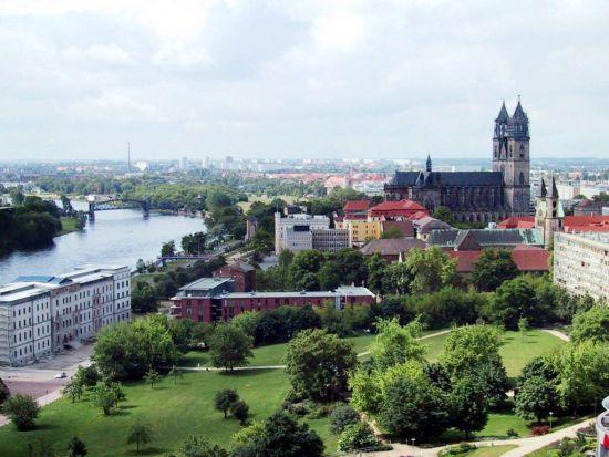 Plaza SVE en Magdeburg (Alemania) sobre cultura