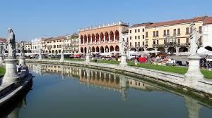 SVE plaza en centro juvenil de Padua (Italia)