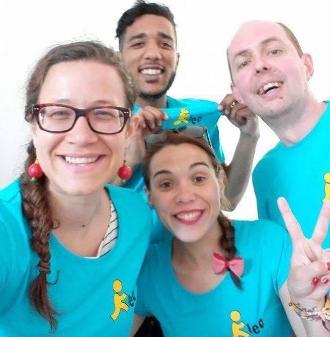 Verónica trabajando como voluntaria europea con niños en Rumanía