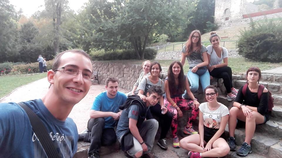 Carlos, Andrea, Carmen, María, Alicia y Carmen empezando su voluntariado europeo en Hungría