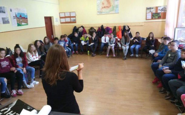 Qué hace una voluntaria española para integrar a los refugiados en Rumanía