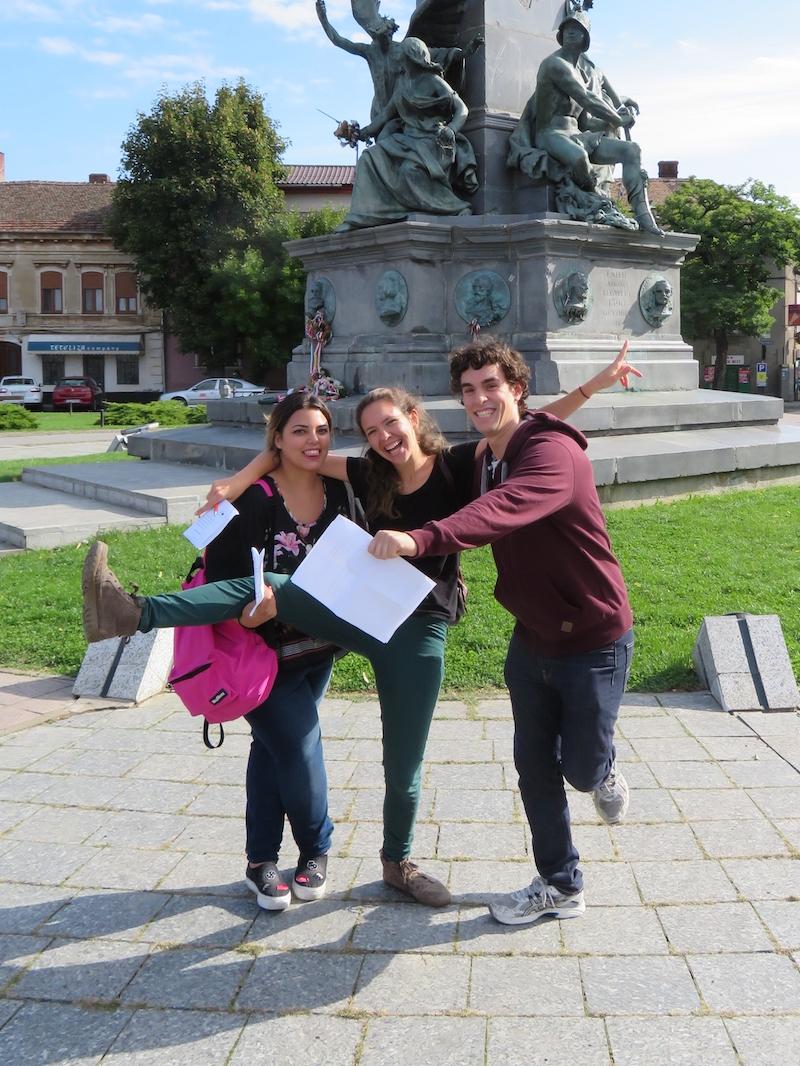 Clara terminando su voluntariado en Arad (Rumanía)