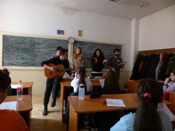 Nuestro proyecto de voluntariado en Rumanía va sobre ruedas