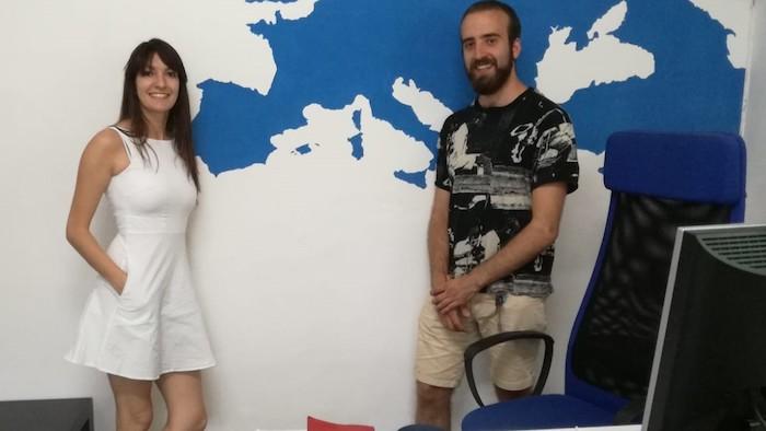 Laura y yo voluntarios españoles en italia