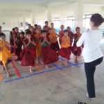 voluntariado verano nepal yoga con niños