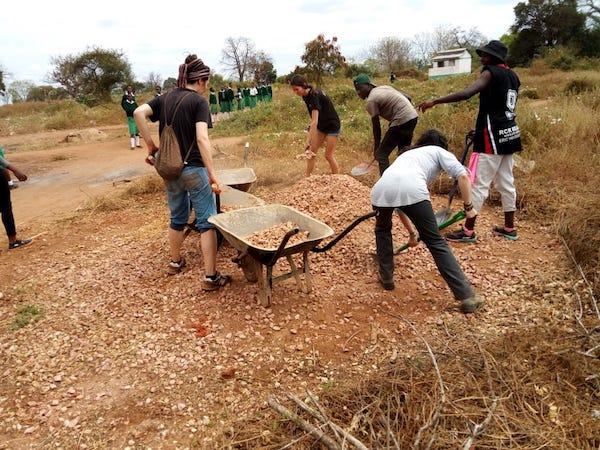 voluntariado kenya ayuda humanitaria