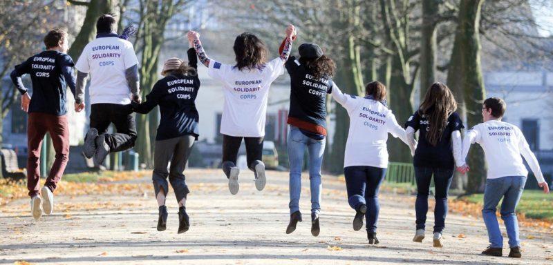 Ser voluntarios europeos
