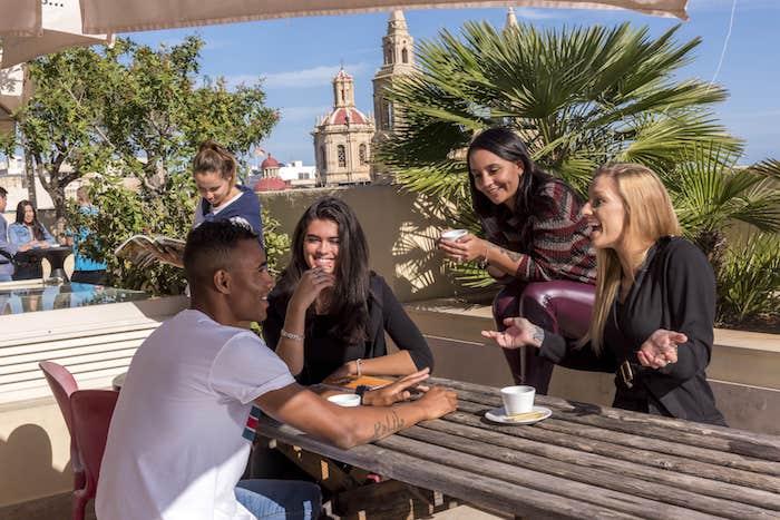 cursos ingles en malta estudiantes